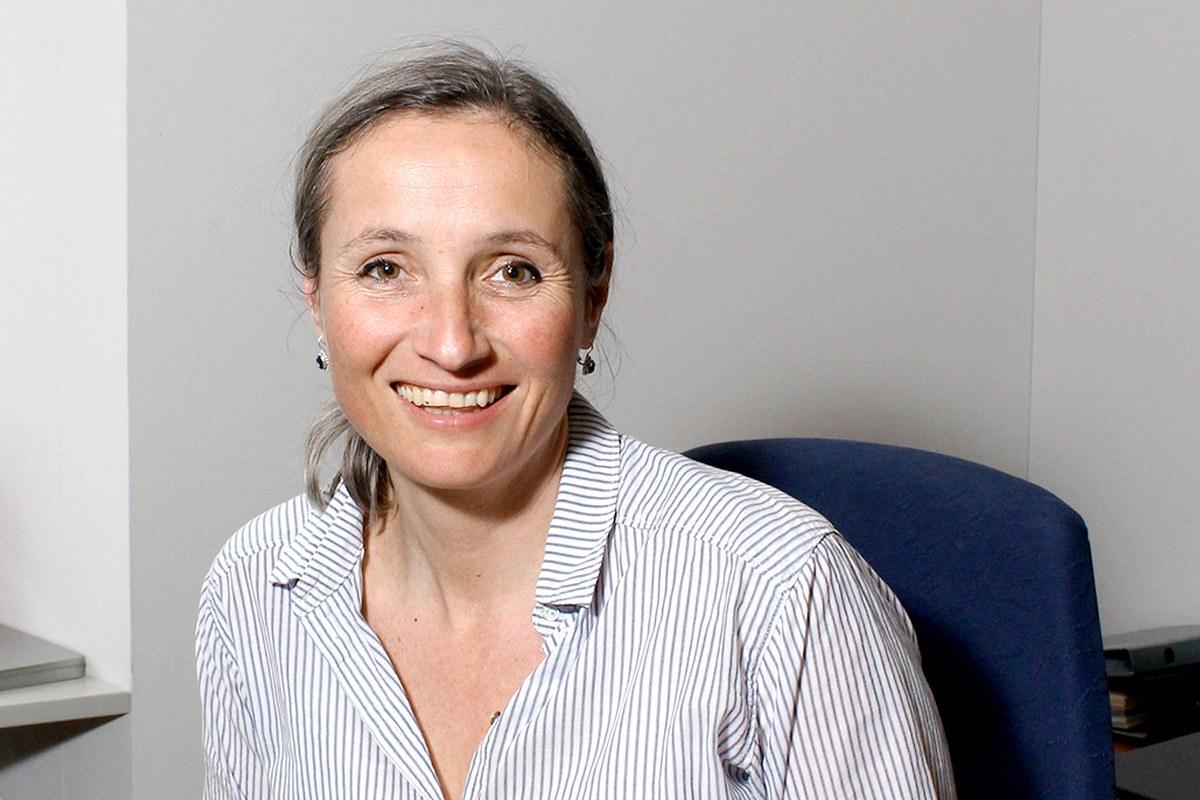Angela Ziegler, Sozialarbeiterin im Sozialzentrum der Burgergemeinde Bern. Vergrösserte Ansicht