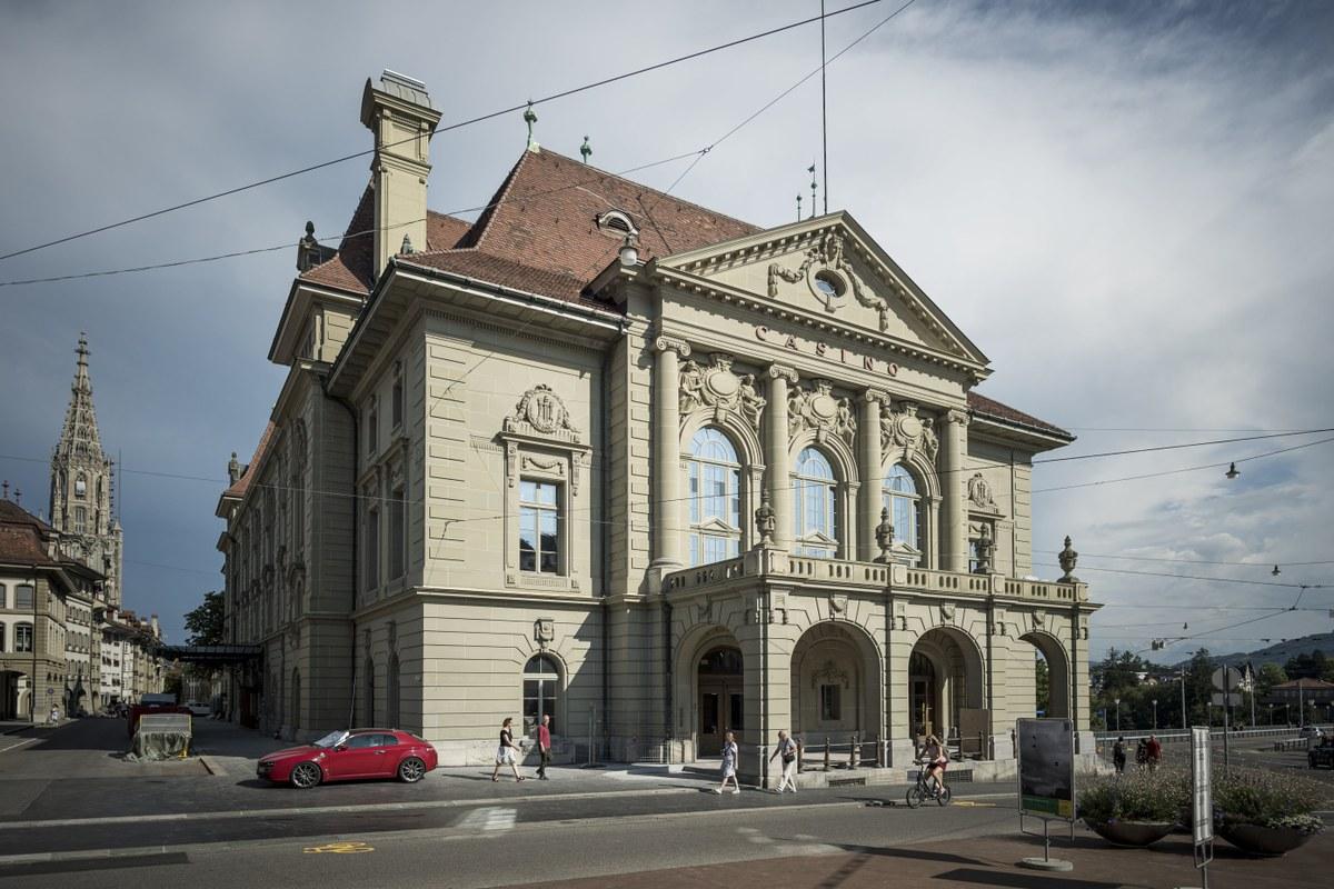 Casino Bern - mitten in der Altstadt. Vergrösserte Ansicht
