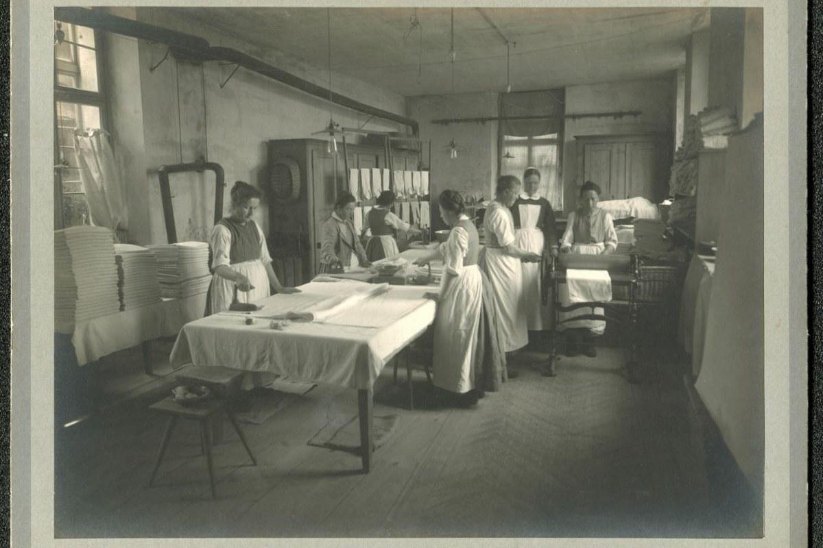 Blick in die Gärtnerei um 1928. Vergrösserte Ansicht
