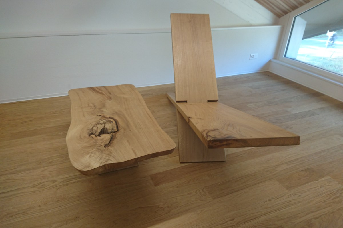 Holzstuhl. Vergrösserte Ansicht
