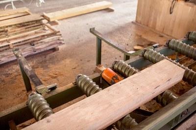 Holzstück direkt ab Sägerei